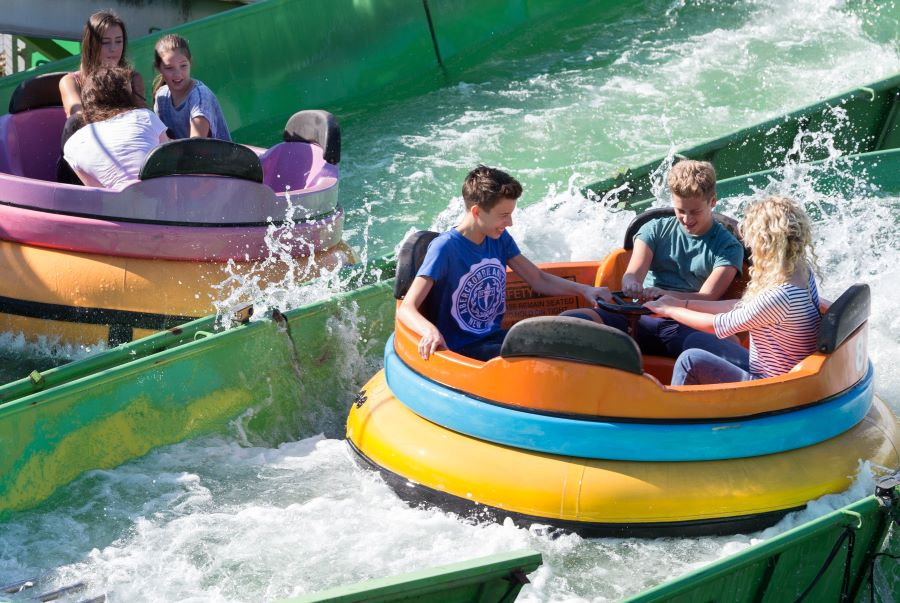 Wet n Wild River Rapids ride at Lightwater Valley